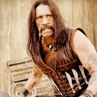 Machete Picture 22