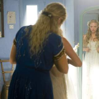 Amanda Seyfried as Sophie and Meryl Streep as Donna in Universal Pictures' Mamma Mia! (2008)