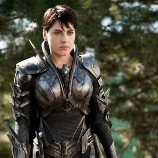 Man of Steel - Antje Traue in Warner Bros. Pictures' Man of Steel (2013)