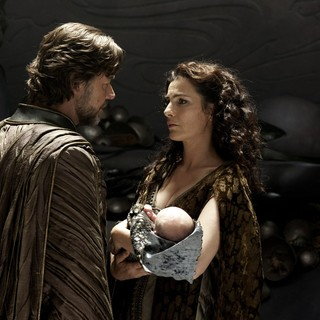 Russell Crowe stars as Jor-El and Ayelet Zurer stars as Lara Lor-Van in Warner Bros. Pictures' Man of Steel (2013)