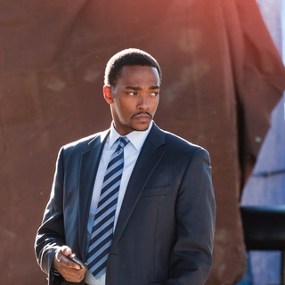 Anthony Mackie stars as Mike Ackerman in Summit Entertainment's Man on a Ledge (2012) - man-on-a-ledge-still02