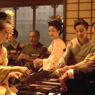 Zhang Ziyi, Gong Li and Michelle Yeoh in Columbia Pictures' Memoirs of a Geisha (2005) - memoirs_of_a_geisha_08