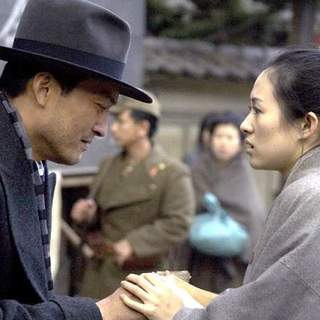 Ken Watanabe and Zhang Ziyi in Columbia Pictures' Memoirs of a Geisha (2005) - memoirs_of_a_geisha_15