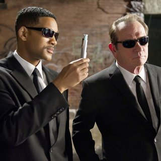 Will Smith stars as Agent J and Tommy Lee Jones stars as Agent K in Columbia Pictures' Men in Black 3 (2012)