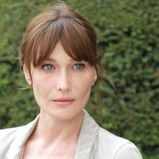 Carla Bruni stars as Museum Guide in Sony Pictures Classics' Midnight in Paris (2011). Photo credit by Roger Arpajou. - midnight_in_paris04