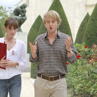 Carla Bruni stars as Museum Guide and Owen Wilson stars as Gil in Sony Pictures Classics' Midnight in Paris (2011). Photo credit by Roger Arpajou. - midnight_in_paris09