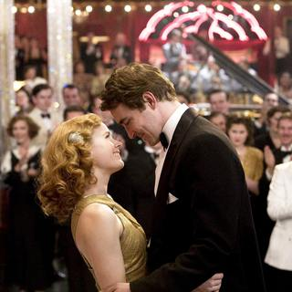 Amy Adams (left) and Lee Pace (right) star in Bharat Nalluri's MISS PETTIGREW LIVES FOR A DAY, a Focus Features release.