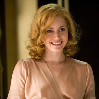 Amy Adams as Delysia Lafosse in Bharat Nalluri's MISS PETTIGREW LIVES FOR A DAY, a Focus Features release.