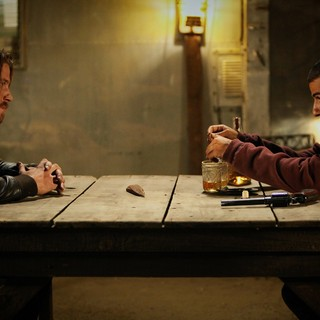 Garrett Hedlund stars as Thomas and Oscar Isaac stars as Jack in A24's Mojave (2016)