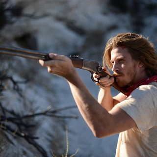 Garrett Hedlund stars as Thomas in A24's Mojave (2016)