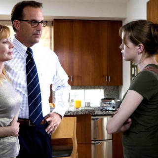 Kevin Costner, Marg Helgenberger and Danielle Panabaker as The Brooks in MGM's Mr. Brooks (2007)