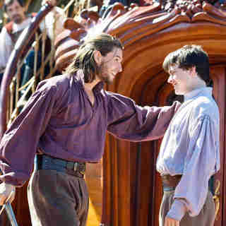Ben Barnes stars as King Caspian and Skandar Keynes stars as Edmund Pevensie in Fox Walden's The Chronicles of Narnia: The Voyage of the Dawn Treader (2010)