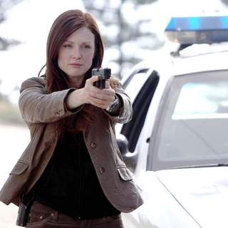 Next - Julianne Moore as Callie Ferris in Paramount Pictures' Next (2007)