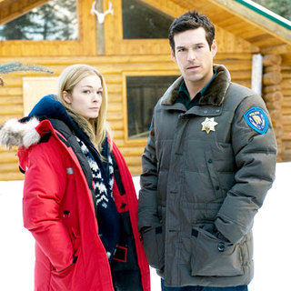 LeAnn Rimes stars as Meg Galligan and Eddie Cibrian stars as Nate Burns in Lifetime Television's Northern Lights (2009) - northern_lights03