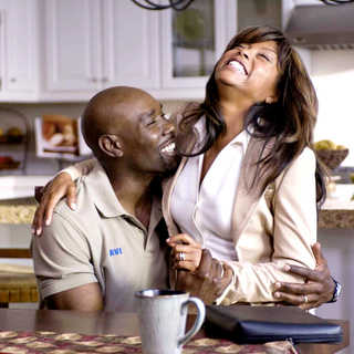 Morris Chestnut stars as Dave Johnson and Taraji P. Henson stars as Clarice Clark in Screen Gems' Not Easily Broken (2009). Photo credit by Ron Phillips. - not_easily_broken12