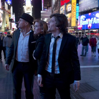 Woody Harrelson, Isla Fisher and Jesse Eisenberg in Summit Entertainment's Now You See Me (2013) - now-you-see-me-still07
