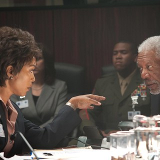 Angela Bassett stars as Lynne Jacobs and Morgan Freeman stars as Speaker Trumbull in FilmDistrict's Olympus Has Fallen (2013)