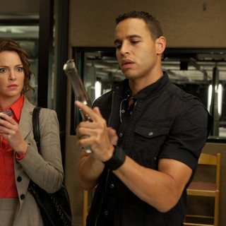 Katherine Heigl stars as Stephanie Plum and Daniel Sunjata stars as Ranger in Lionsgate Films' One for the Money (2012) - one-for-the-money-still05