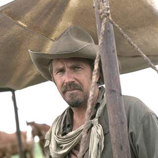Kevin Costner as Charley Waite in Buena Vista Pictures' Open Range (2003) - open_range_03