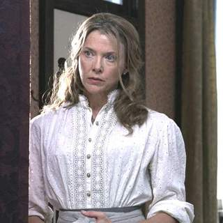 Annette Bening as Sue Barlow in Buena Vista Pictures' Open Range (2003) - open_range_07