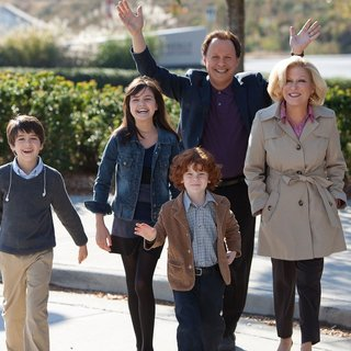 Joshua Rush, Bailee Madison, Kyle Harrison Breitkopf, Billy Crystal and Bette Midler in 20th Century Fox's Parental Guidance (2012) - parental-guidance01