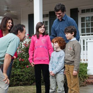 Marisa Tomei, Billy Crystal, Bailee Madison, Tom Everett Scott, Kyle Harrison Breitkopf and Joshua Rush in 20th Century Fox's Parental Guidance (2012) - parental-guidance02