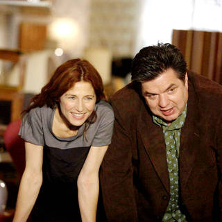 Catherine Keener stars as Kate and Oliver Platt stars as Alex in Sony Pictures Classics' Please Give (2010). Photo credit by Piotr Redlinksi. - please_give02