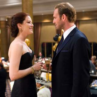 JACINDA BARRETT as Maggie James and JOSH LUCAS as Dylan Johns in Warner Bros Pictures' Poseidon (2006)