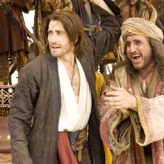 Prince of Persia: Sands of Time - Jake Gyllenhaal stars as Prince Dastan and Alfred Molina stars as Sheik Amar in Walt Disney Pictures' Prince of Persia: Sands of Time (2010)