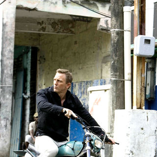 Quantum of Solace Picture 23