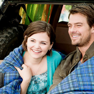 Ginnifer Goodwin stars as Aunt Bea and Josh Duhamel stars as Uncle Hobart in 20th Century Fox's Ramona and Beezus (2010)