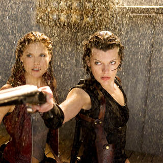 Ali Larter stars as Claire Redfield and Milla Jovovich stars as Alice in Screen Gems' Resident Evil: Afterlife (2010)