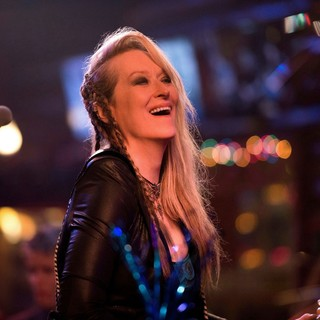 Meryl Streep stars as Ricki in TriStar Pictures' Ricki and the Flash (2015) - ricki-and-the-flash02