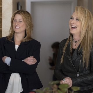 Mamie Gummer stars as Julie and Meryl Streep stars as Ricki in TriStar Pictures' Ricki and the Flash (2015) - ricki-and-the-flash03