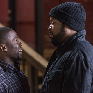 Ride Along - Kevin Hart stars as Ben Barber and Ice Cube stars as James Payton in Universal Pictures' Ride Along (2014)
