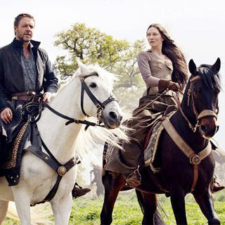 Russell Crowe stars as Robin Hood and Cate Blanchett stars as Maid Marian in Universal Pictures' Robin Hood (2010) - robin_hood02