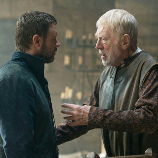 Robin Hood - Russell Crowe stars as Robin Hood and Max von Sydow stars as Sir Walter Loxley in Universal Pictures' Robin Hood (2010)