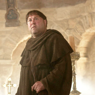 Mark Addy stars as Friar Tuck in Universal Pictures' Robin Hood (2010) - robin_hood39