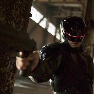 Joel Kinnaman stars as RoboCop in Columbia Pictures' RoboCop (2014)