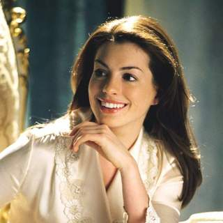 Anne Hathaway as Mia Thermopolis in Walt Disney Pictures' Princess Diaries 2: Royal Engagement (2004)