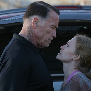 Arnold Schwarzenegger stars as John 'Breacher' Wharton and Mireille Enos stars as Lizzy in Open Road Films' Sabotage (2014) - sabotage-image04