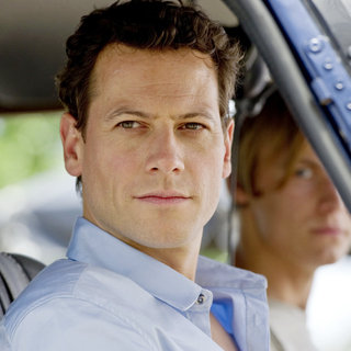 Ioan Gruffudd stars as Carl Hurley in Universal Pictures' Sanctum (2011) - sanctum12