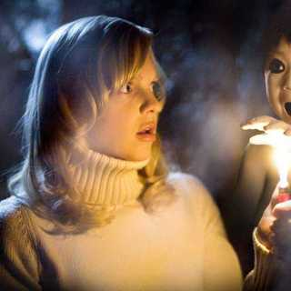 Anna Faris as Cindy Campbell and Garrett Masuda as Japanese ghost boy in Miramax Films' Scary Movie 4 (2006)