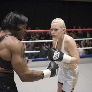 Scary Movie 4 Picture 4