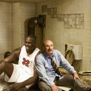 Shaquille O'Neal and Dr. Phil McGraw in Miramax Films' Scary Movie 4 (2006)