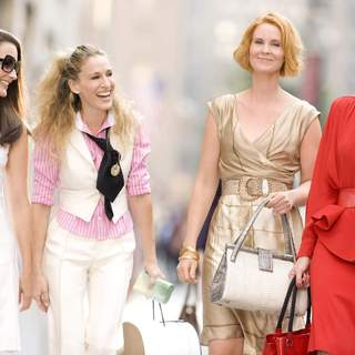 (L-R) Kristin Davis, Sarah Jessica Parker, Cynthia Nixon and Kim Cattrall in New Line Cinema's SEX AND THE CITY: THE MOVIE. - sex_and_the_city02