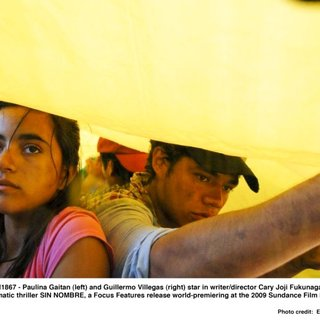 Paulina Gaitan stars as Sayra and Guillermo Villegas stars as Orlando in Focus Features' Sin Nombre (2009). Photo credit by Eniac Martinez.