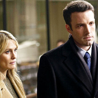 Robin Wright Penn stars as Anne Collins and Ben Affleck stars as Stephen Collins in Universal Pictures' State of Play (2009) - state_of_play20