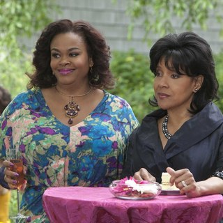 Jill Scott stars as Truvy and Phylicia Rashad stars as Clairee in Lifetime Movie Network's Steel Magnolias (2012)