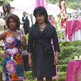 Alfre Woodard stars as Ouiser and Phylicia Rashad stars as Clairee in Lifetime Movie Network's Steel Magnolias (2012)